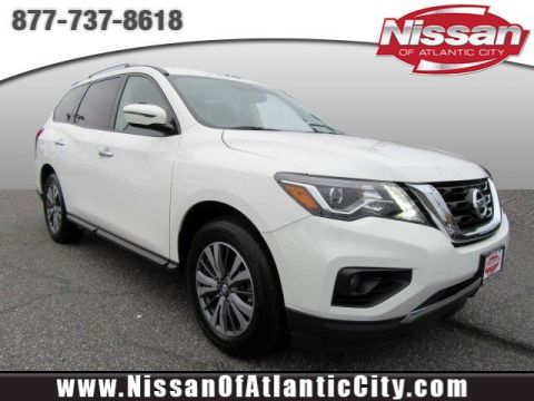 Pre-Owned 2017 Nissan Pathfinder SV 4WD