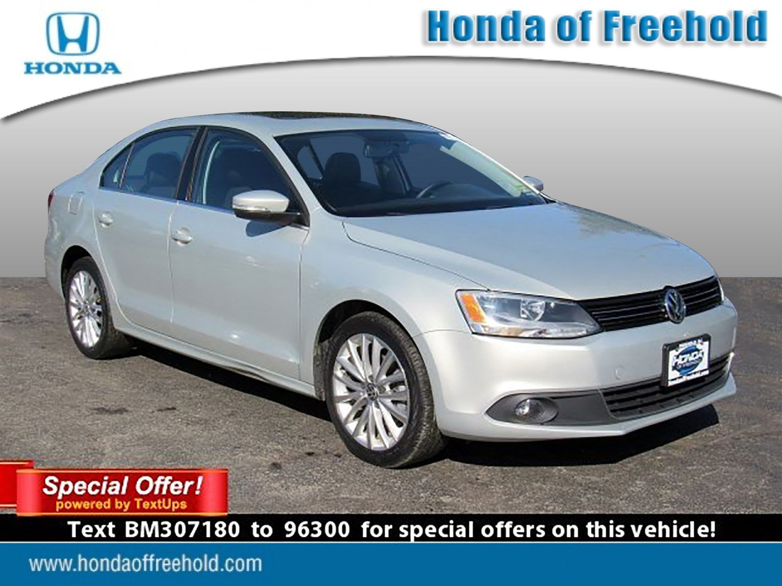 Pre Owned 2011 Volkswagen Jetta Sedan SEL w Sunroof PZEV 4dr Car in